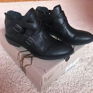 Born Shoes - Born b•o•c black ankle booties